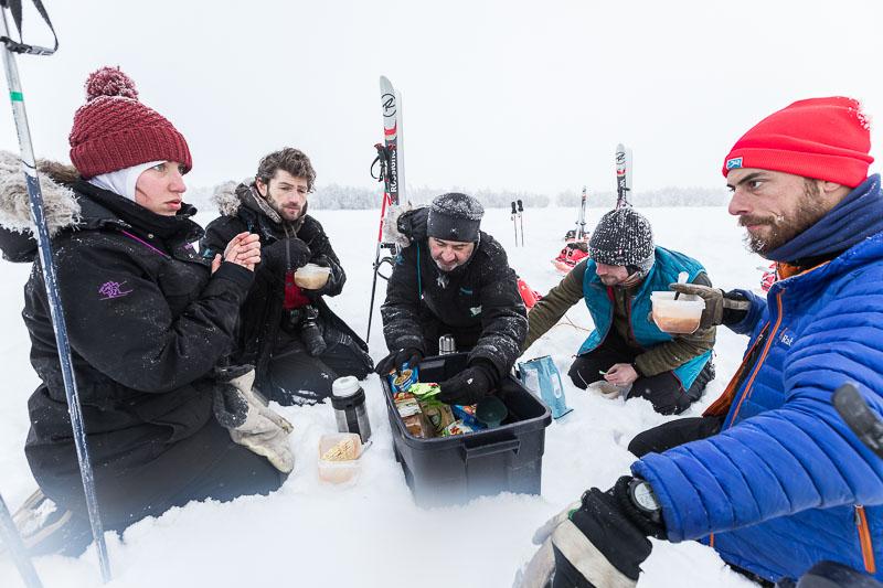 repas dans la neige