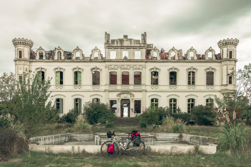 Château abandonné en Occitanie