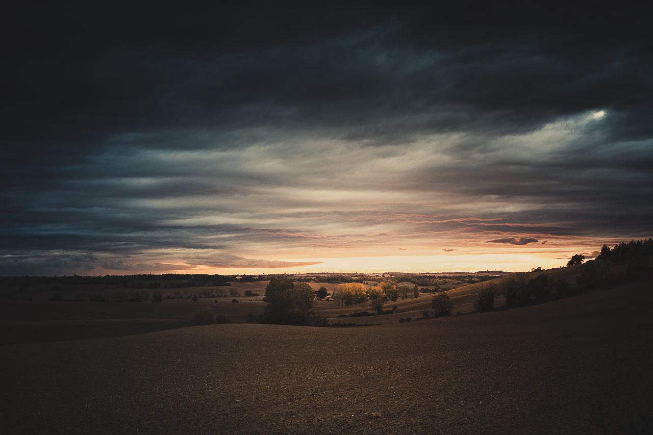 Couché de soleil sur la campagne du Lauragais