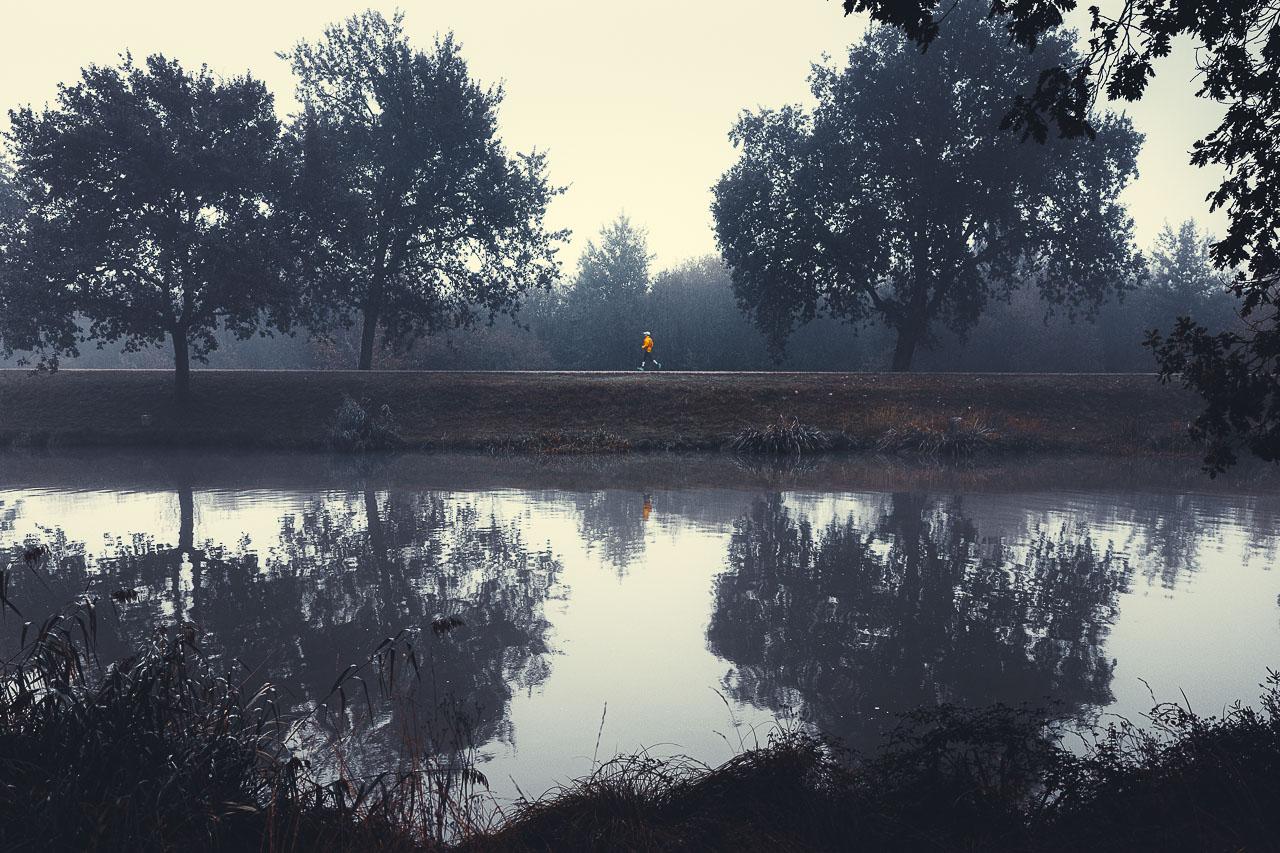 Joggeur dans la brume