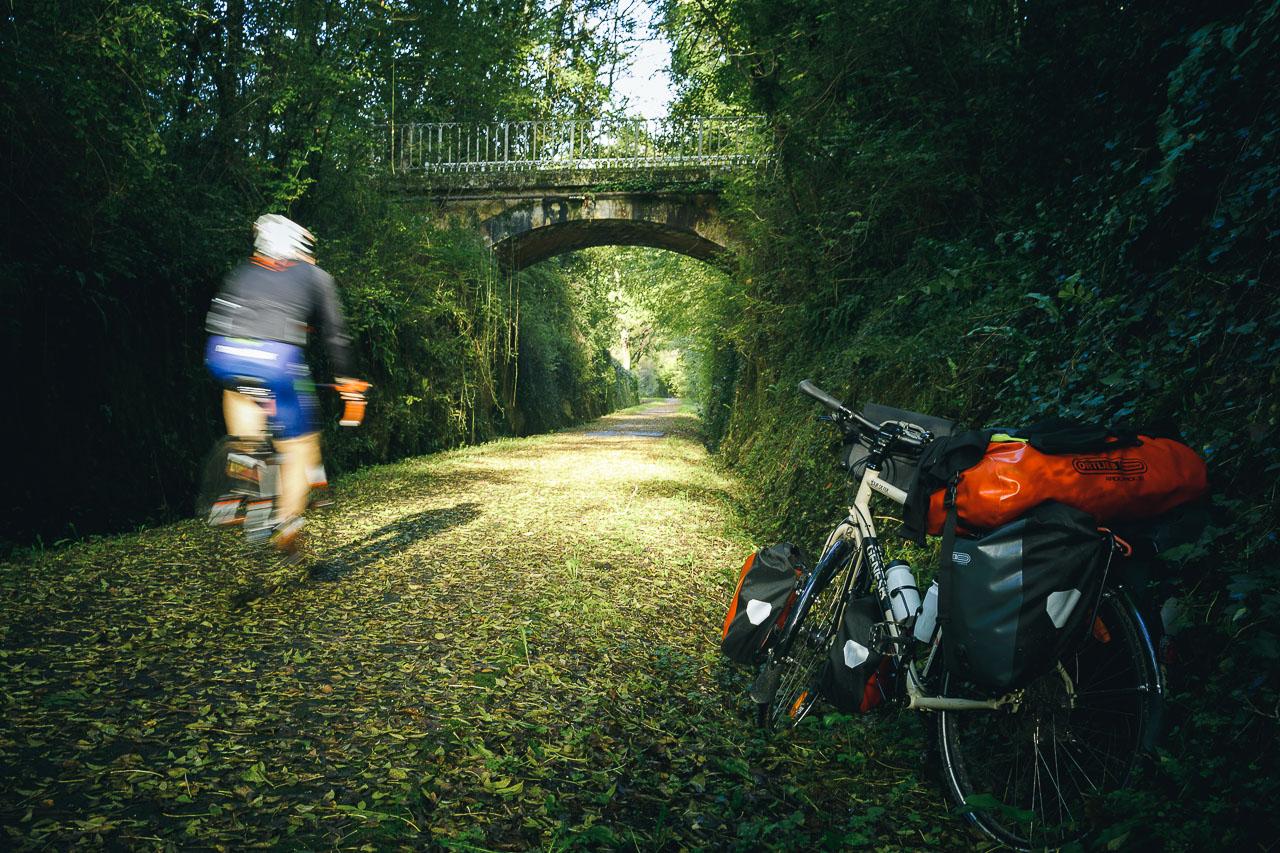 La voie verte, empruntant l'ancienne voie de chemin de fer.